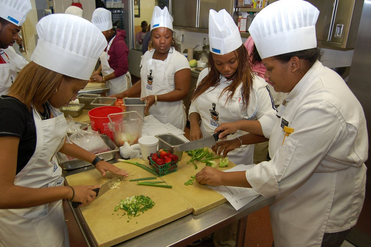 Teens learn to cook